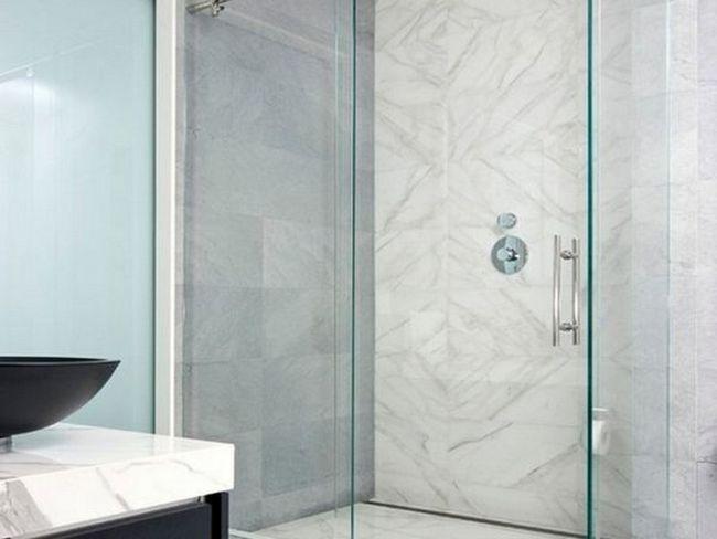 Скляна душова кабіна