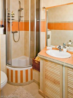 Маленька ванна - це часта проблема сучасних квартир.