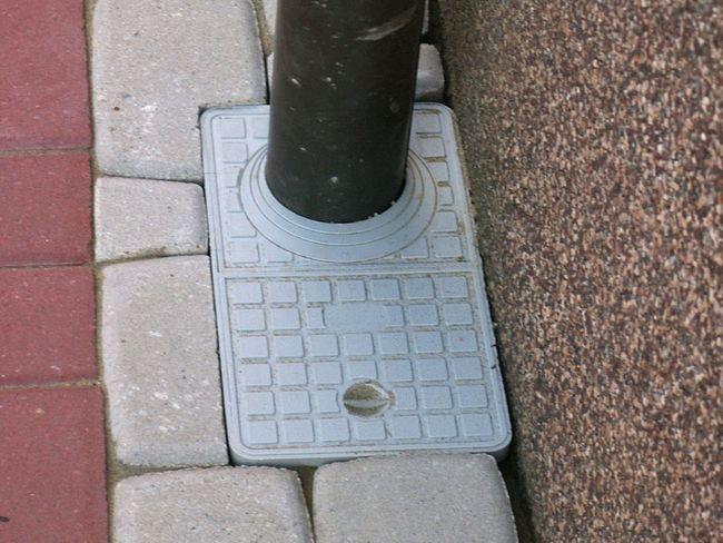 Вулична стічна каналізаційна система