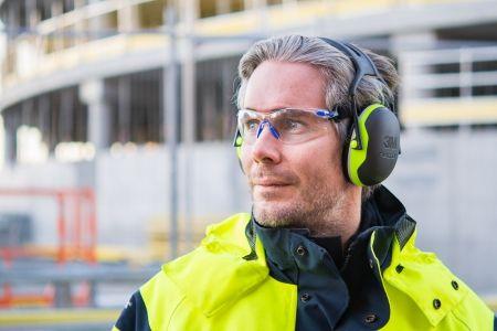 Як не допустити втрату слуху на виробництві?