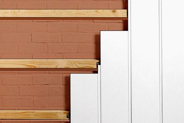 Як кріпити пластикові панелі до стіни