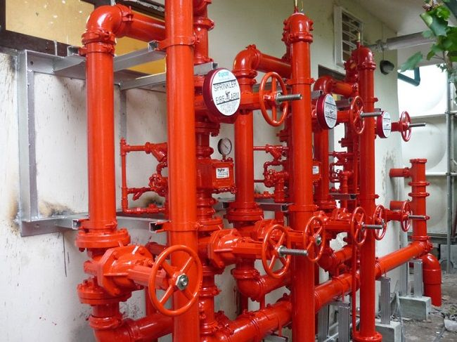 Стояки внутрішнього протипожежного водопроводу