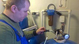 Опис способу під`єднання насосної станції своїми руками до водопроводу
