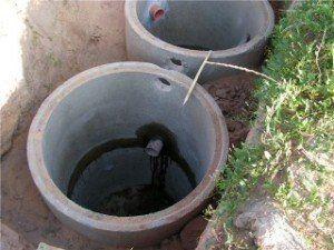 монтаж каналізації з бетонних кілець