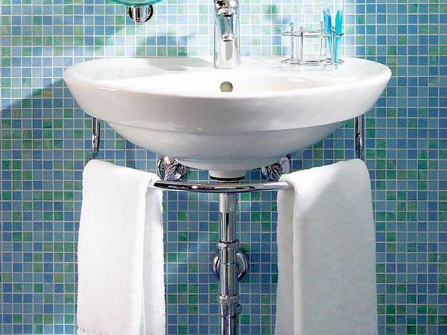 Установка раковини у ванній